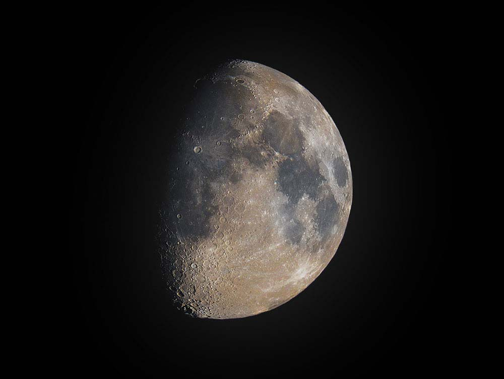 Moon Mosaic in colour.
